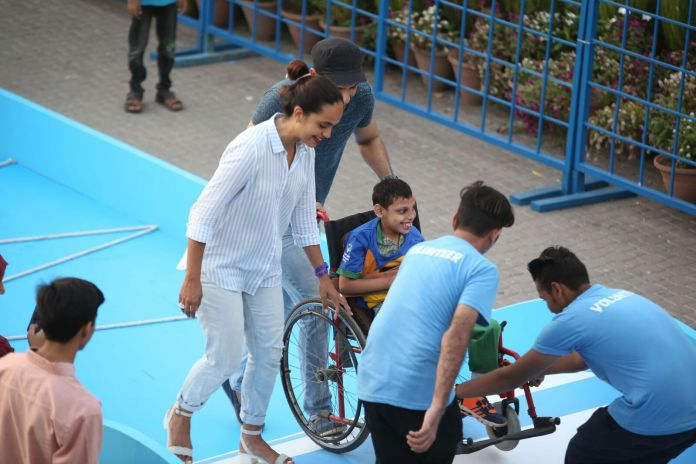 Aamina Sheikh & Mohib Mirza with their buddy (2)