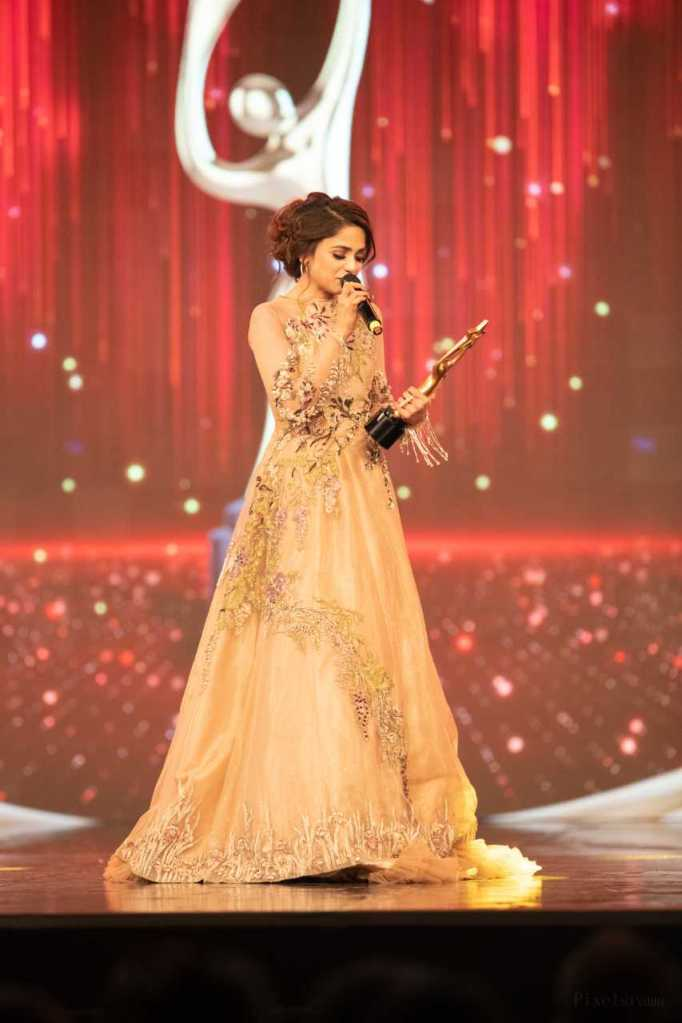 Best Singer (Viewers' Choice) - Aima Baig