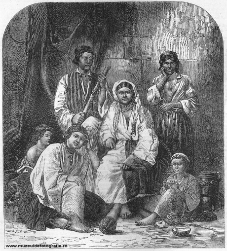 Group of Ctsigans, or Gipsies - gravura realizata de Dr. Mawer dupa o fotografie de Szathmari, publicata la 01 Aprilie 1865 in The Illustrated London News, pag. 300-301