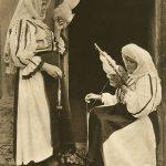 Poiana Sibiului -  femei torcând