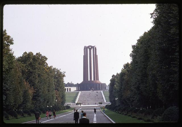 Mausoleul din Parcul Carol. București, 1971.