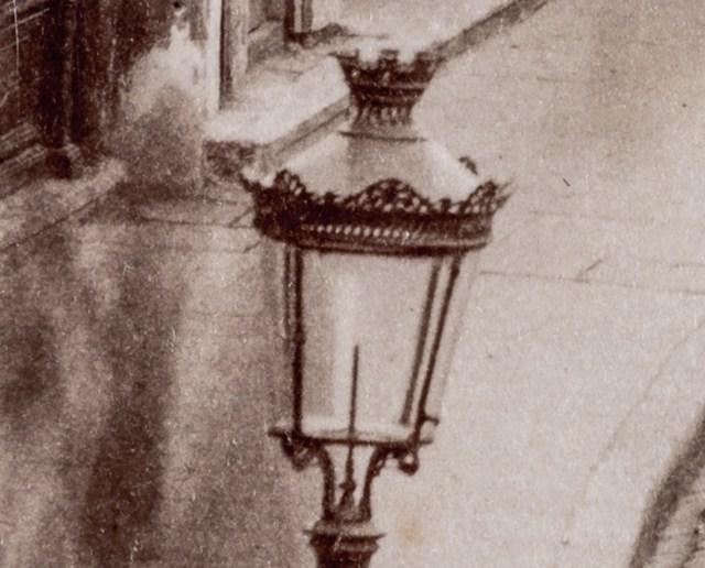 Felinar cu lampa de gaz