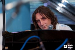 Iztok-Novak-Easy-radio-live-7-10-2015-foto-alan-radin (24)