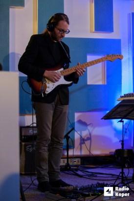 jazzlessness10let-jazz-v-hendrixu-24-11-2016-foto-alan-radin-16