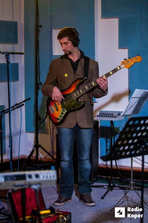 jazzlessness10let-jazz-v-hendrixu-24-11-2016-foto-alan-radin-17