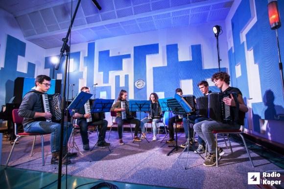 Glasbena-šola-ajdovščina-radio-koper-15-2-2018-foto-alan-radin (33)