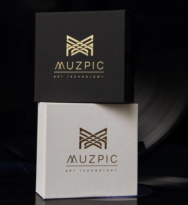Estuches dónde se guardan las joyas Muzpic para entregar como un regalo original.