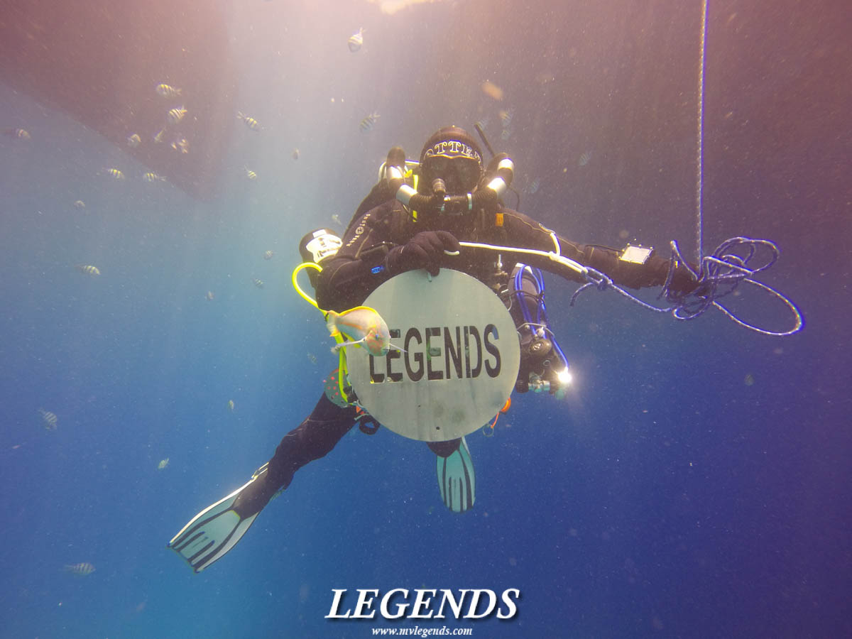 #DivingwithLegends