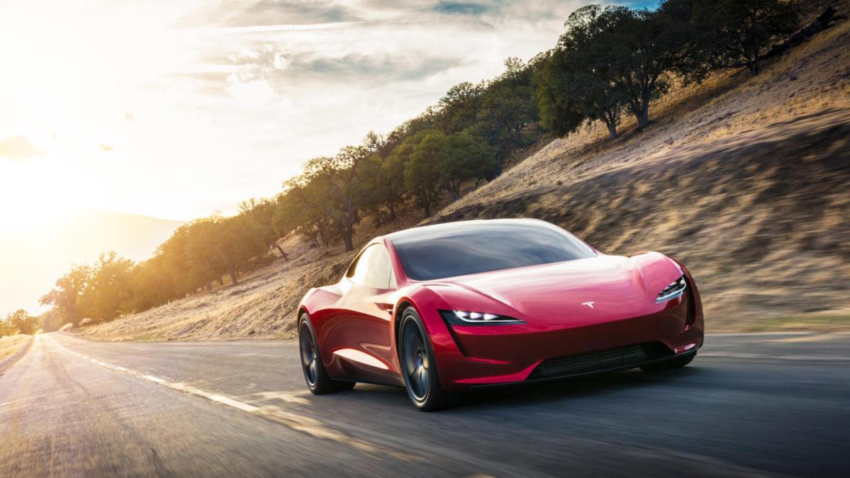 Y cuando esperábamos el camión.... ¡Tesla nos presenta un Roadster!