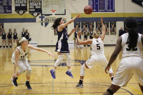 Girls basketball falls to Aquinas 46-34