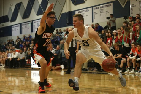 Boys basketball falls to Shawnee Mission Northwest