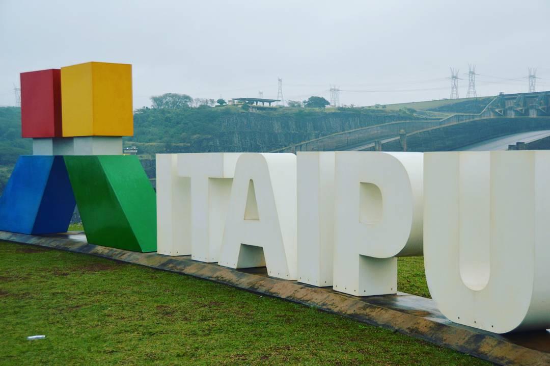 Hidrelétrica de Itaipu, Foz do Iguaçu - PR, by Luciana de Paula, 2016