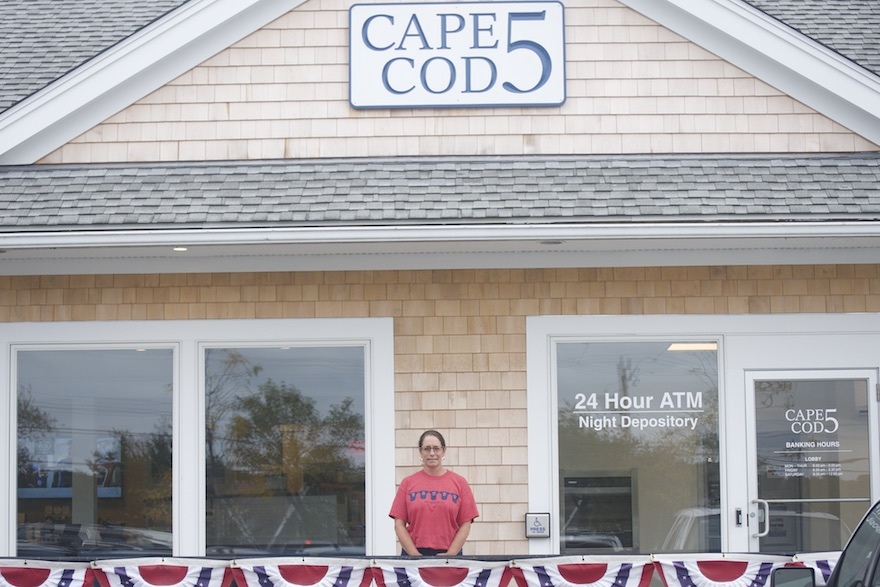 Cape Cod 5 wins banking award - The Martha's Vineyard Times