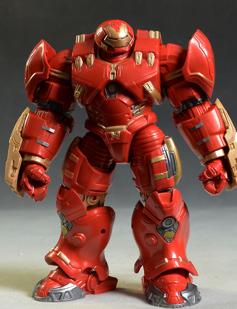 Review and photos of Marvel Legends Hulkbuster action
