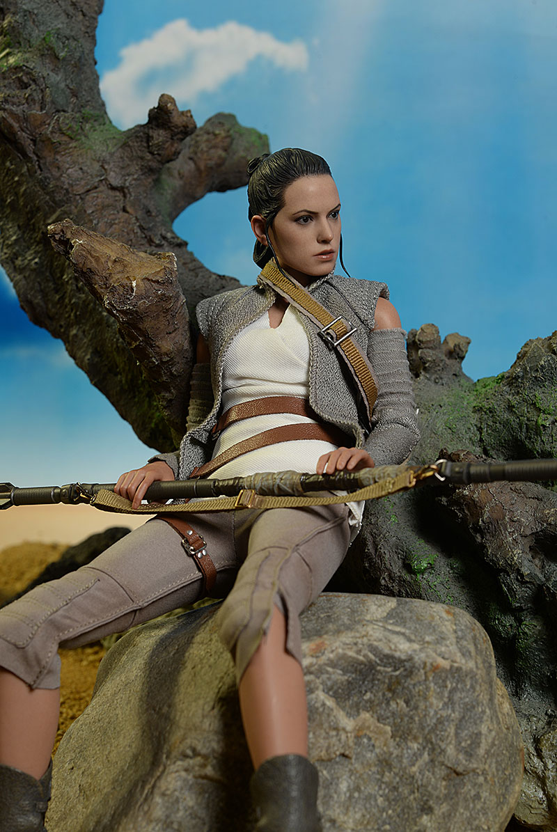 Review and photos of Rey Resistance Outfit Star Wars Sixth