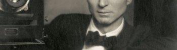 mydaguerreotypeboyfriend: Edward Steichen, self portrait with a studio camera, 1917. Submitted by Lo