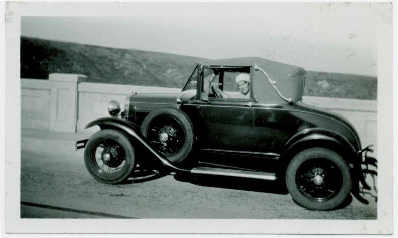 WomanCar1920s