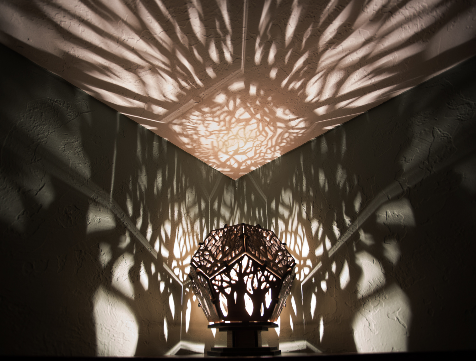 Tree Shadow Lamp Mwk Designs