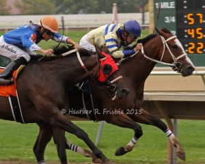 Rockin the Bleu's (inside) out finished Gypsy Melody to win the Distaff Sprint