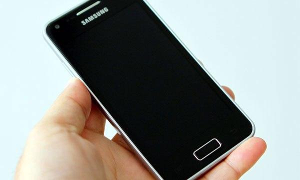 หลุดมากันใหญ่ Samsung Galaxy S Advance คราวนี้มาแบบ Hand-On