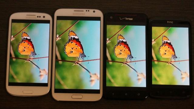 เปรียบเทียบหน้าจอ Galaxy Note 2 เจอกับ DROID DNA