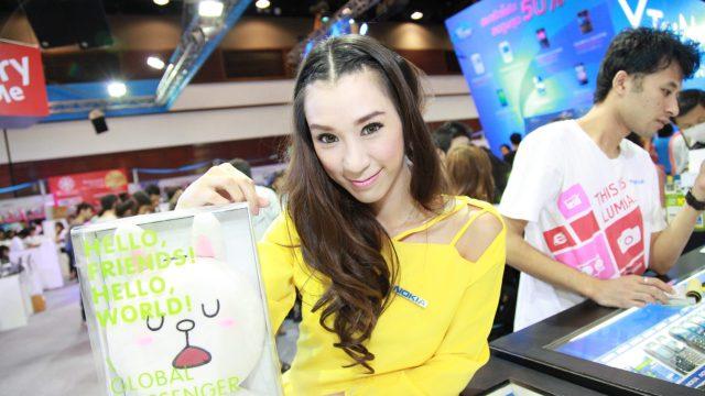 Bluecosmos พาชมพริตตี้ Thailand Mobile Expo 2013 Hi-End