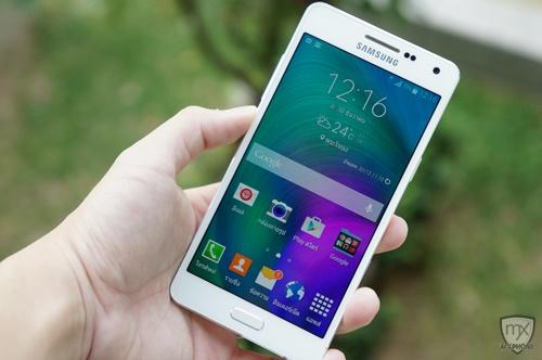 [Review] Samsung Galaxy A5 สมาร์ทโฟนบอดี้โลหะ เซลฟี่เน้นๆ ราคา 12,900 บาท