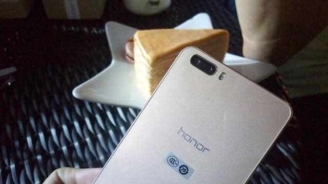 ลองกล้องคู่ Huawei Honor 6 Plus สุดยอดกล้องปรับรูรับแสงได้กว้างสุด F/0.95 พร้อมภาพตัวอย่าง