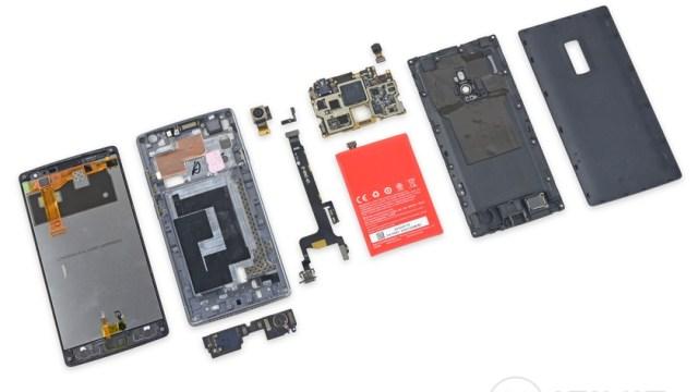 iFixit จัดให้ถอดประกอบโทรศัพท์สุดฮ๊อตชั่วโมงนี้ OnePlus 2 ซ่อมค่อนข้างง่าย 7/10
