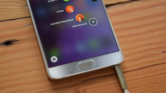 Samsung ซุ่มเงียบ! แก้ปัญหา Note 5 เสียบ S-pen กลับด้านแล้ว
