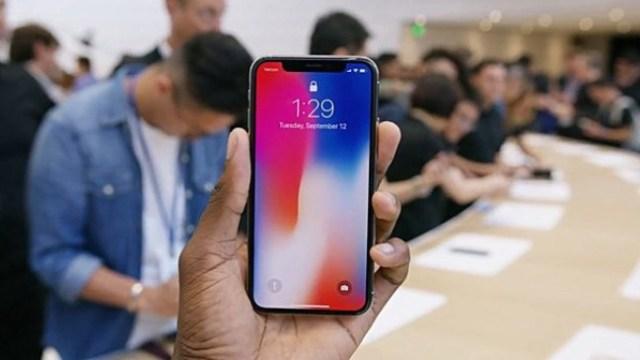 สำนัก KGI คาด ยอดพรีออเดอร์ iPhone X มีลุ้นทะลุ 50 ล้านเครื่อง