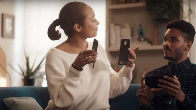 แซะในแซะ! Motorola ปล่อยคลิปโฆษณาตอนจบใหม่ให้ Samsung