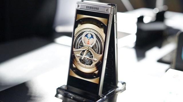 มาแล้ว Samsung W2018 สมาร์ทโฟนฝาพับเกรดพรีเมี่ยม รุ่นท็อปแพงสุด 79,xxx บาท