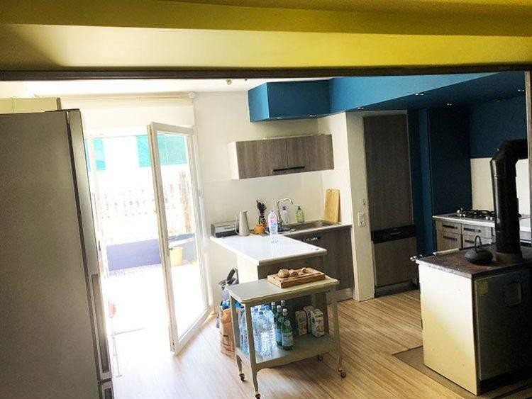 Grande Maison à vendre à Couzon-au-Mont-d'Or à usage mixte habitation parking et bureaux.
