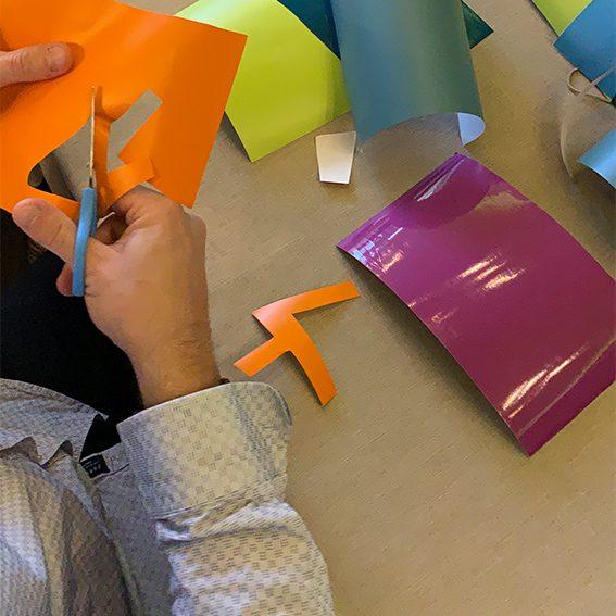 Kit de matériel individuel expédié aux participants d'une idée animation artistique organisée et animée en distanciel