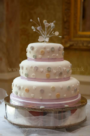 Cheap Wedding Cakes Dont Have To Look Cheap