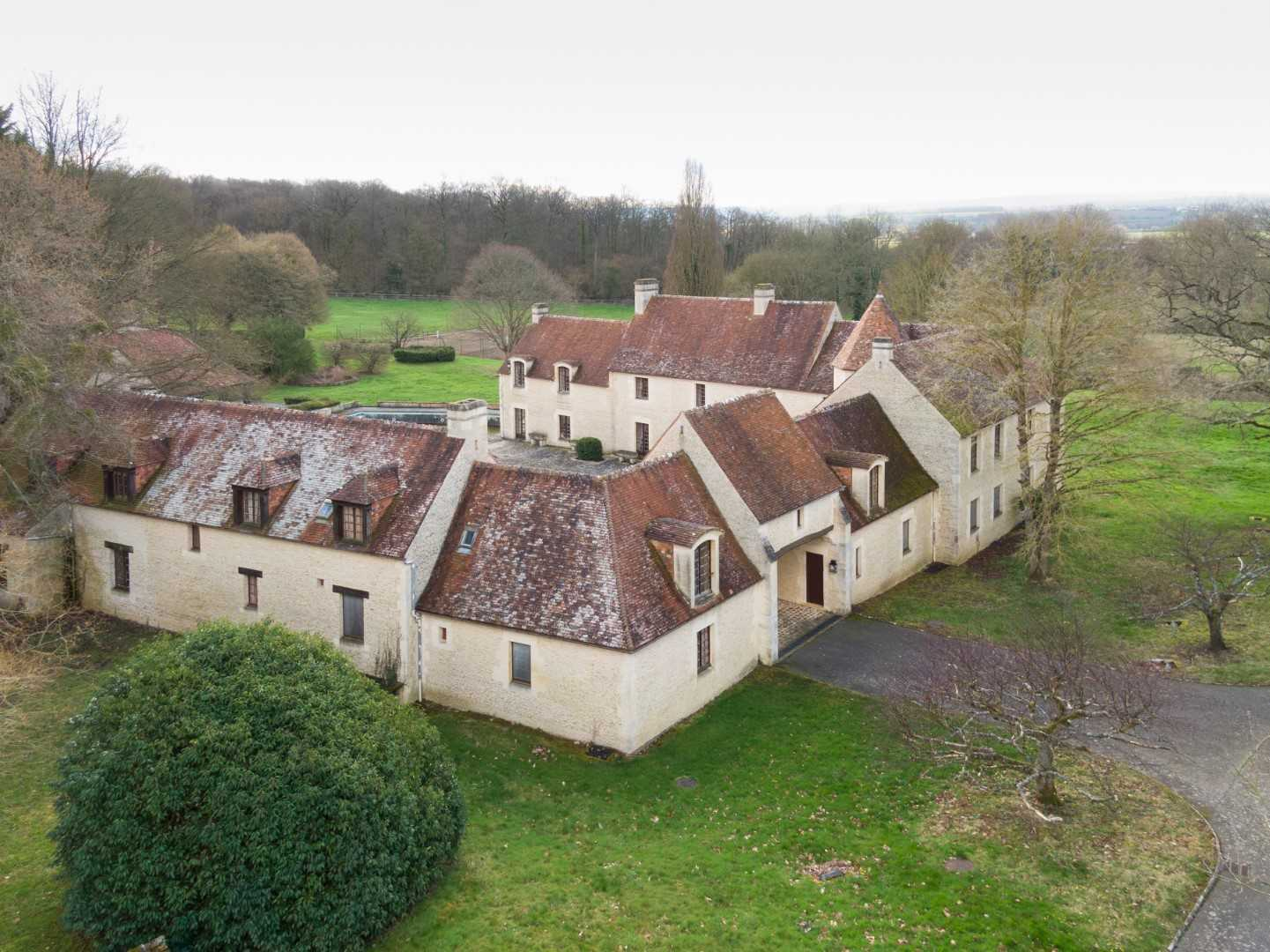 Equestrian property for auction  Haras with 110 hectares