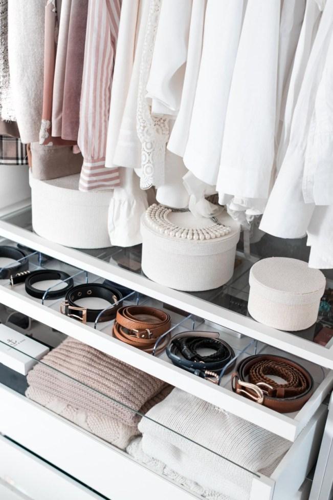 Schrankorganisation- 5 Tipps für mehr Ordnung im offenen Kleiderschrank-1