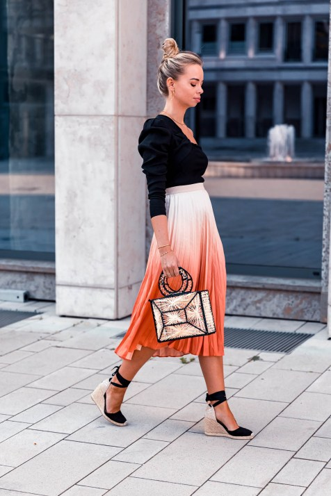 blog-geburtstag-my-philocaly-pleated-skirt-plissee-rock-sommer-outfit-10
