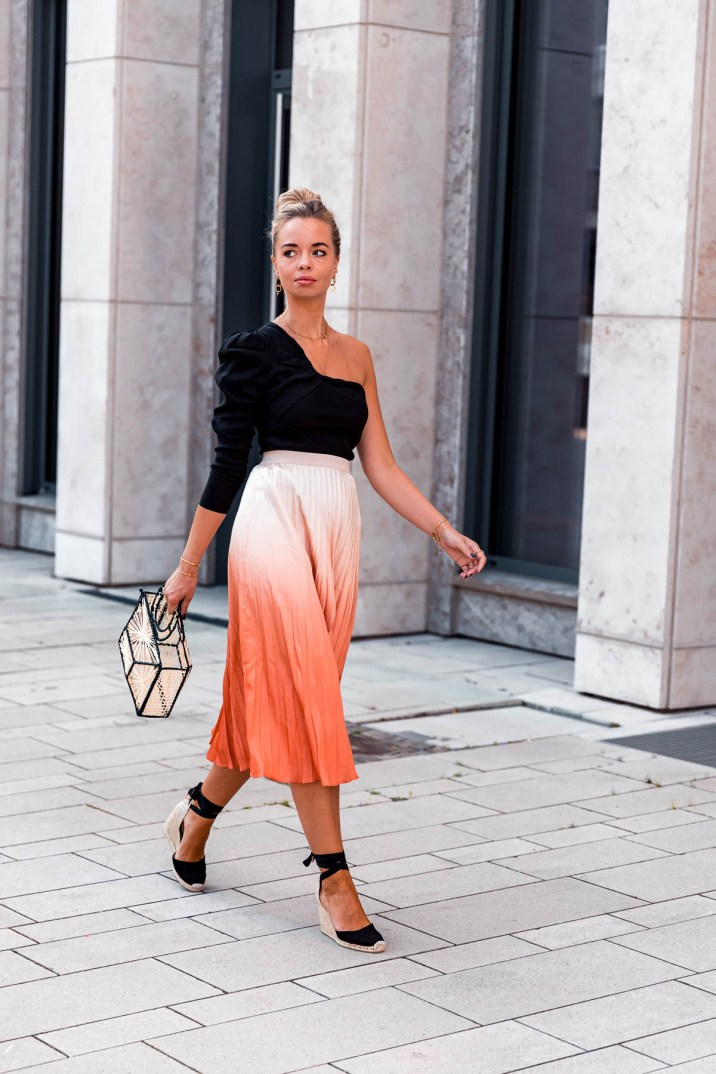 blog-geburtstag-my-philocaly-pleated-skirt-plissee-rock-sommer-outfit-11