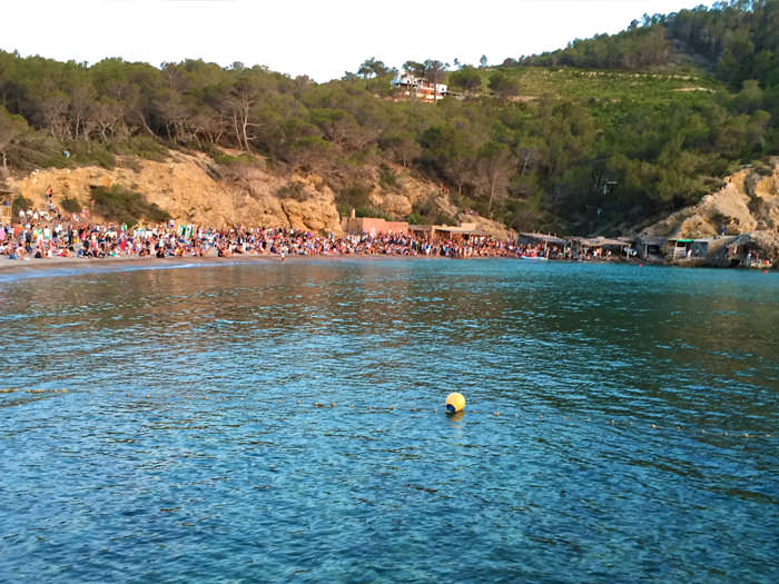 The good vibes of the sunset at Cala Benniras – Ibiza