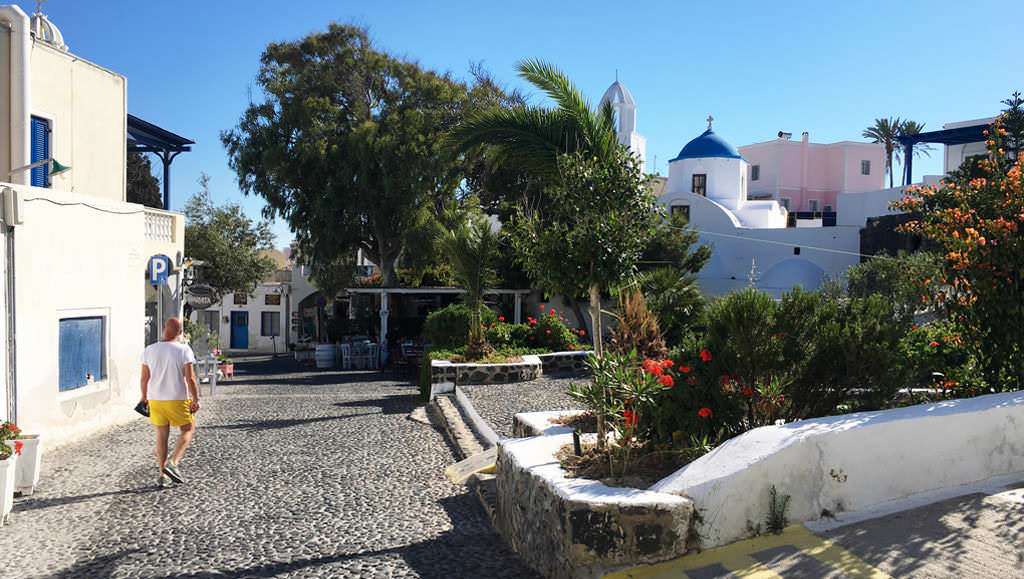 The authentic Santorini, part 1: The villages of Pyrgos and Megalochori