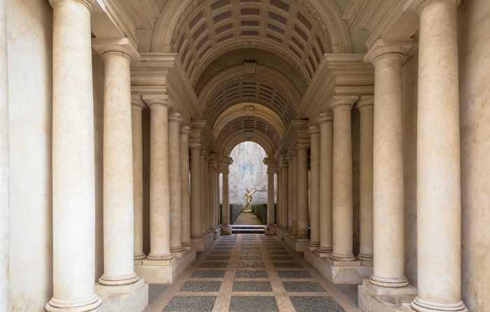 Optical illusions in Rome: Galleria Spada, Sant'Ignazio Church, Trinità dei Monti