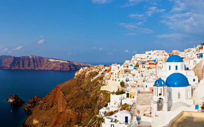 Let's discover the Colored Beaches of Santorini