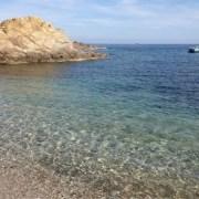 crique plage ile des embiez provence mediterranee vacances au bord de mer voilier