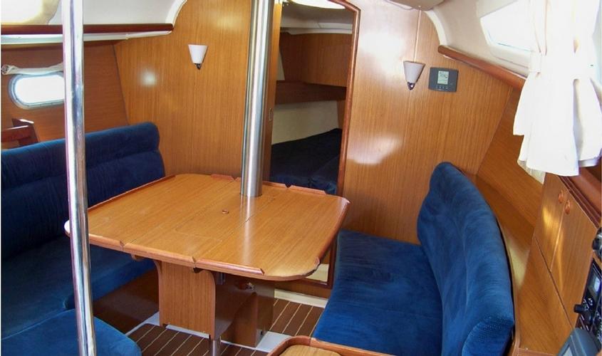 location-voilier-sun-odyssey-32i-my-sail-croisiere-a-la-carte-balade-avec-sans-skipper-var-provence-cote-azur-mediterranee-3