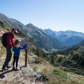 Family Hiking - Copyright: Andorra Turisme SAU