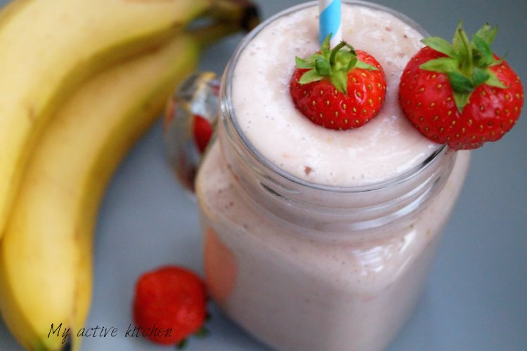 Banana and strawberry smoothie.