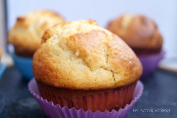 Plantain and peanut muffin