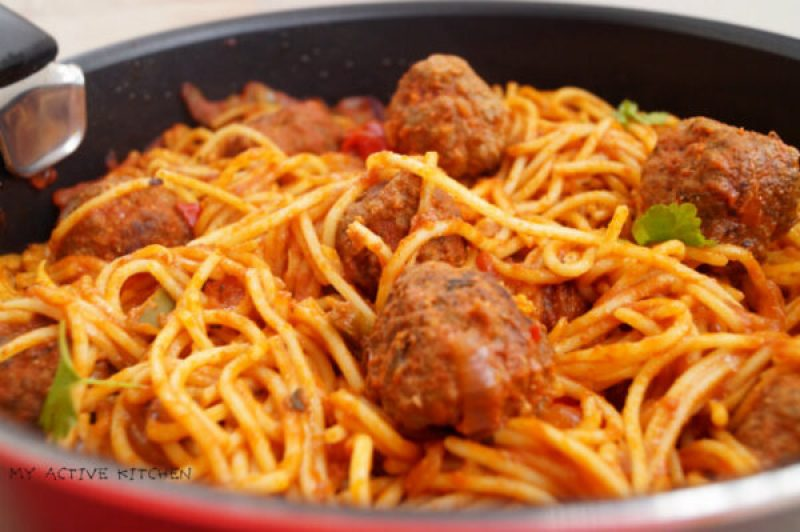 Jollof spaghetti and meatballs